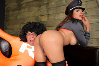 Jessy dubai halloween  jessy dubai takes some super ramon cock  httpjoin trans500 comviewbanner phpid2232thumbnailtypejpg. Jessy Dubai takes some Super Ramon cock!